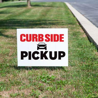 Curbside Pickup Yard Sign